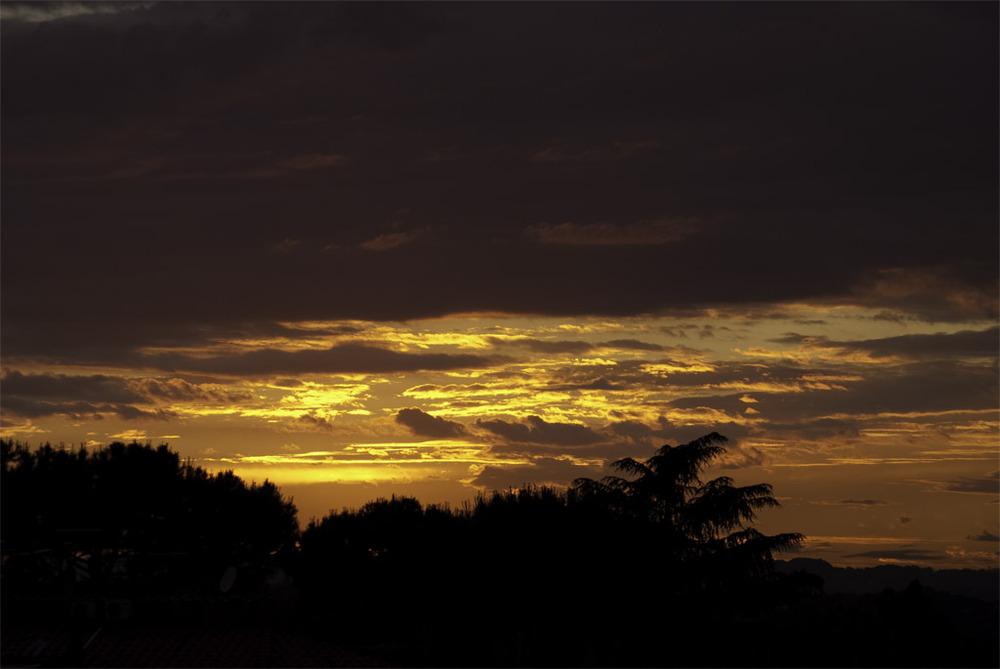 [ tramonti romani ] ... e le esplose il modno fra le mani... 03.06.2010