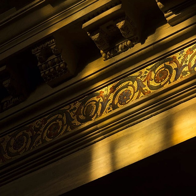 luce, dettagli e mosaici#roma #rome #italy #light #church #nikonD7100 #nofilter